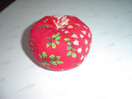 リンゴ型のピンクッション